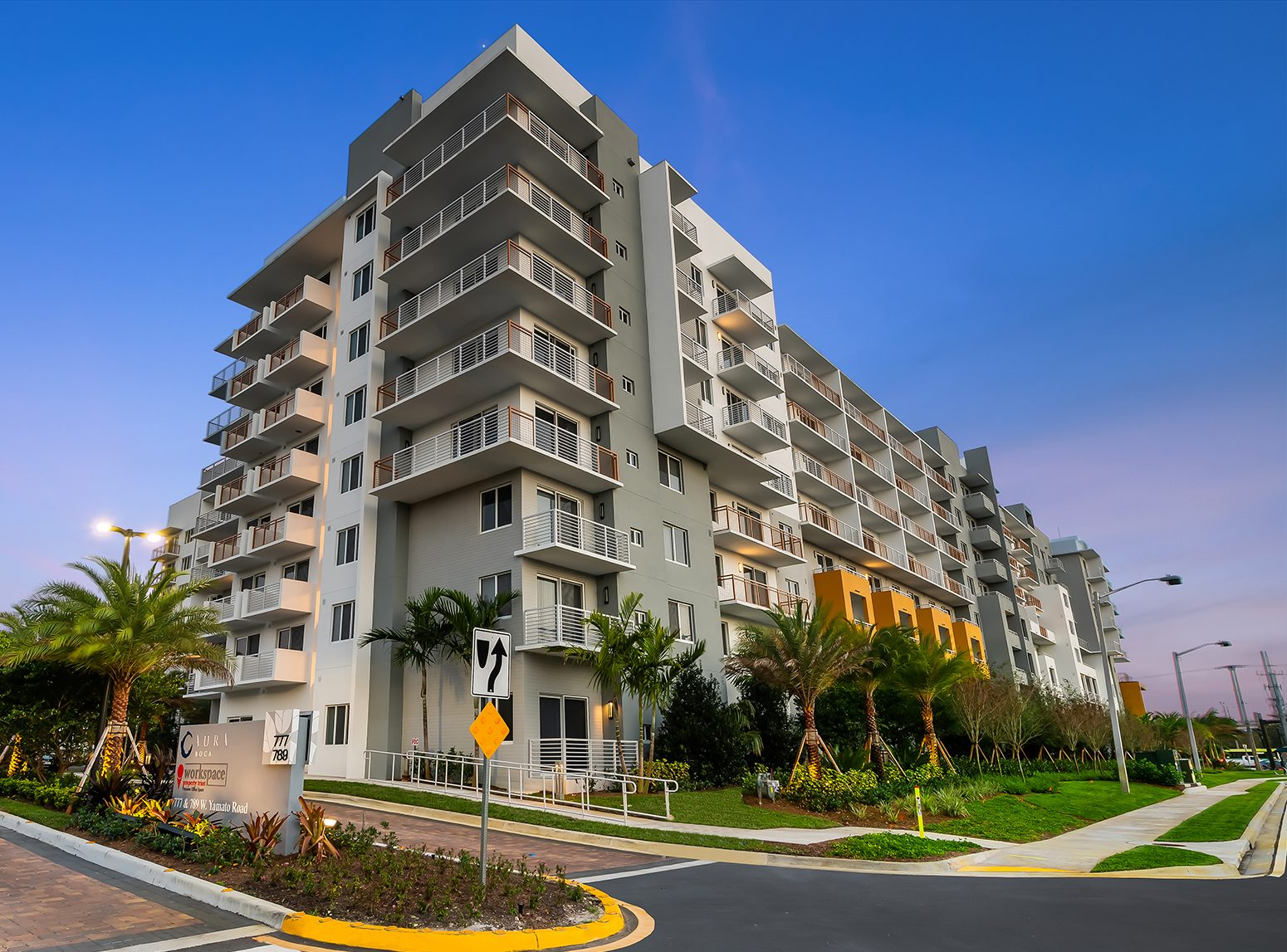 Aura Boca building exterior apartments